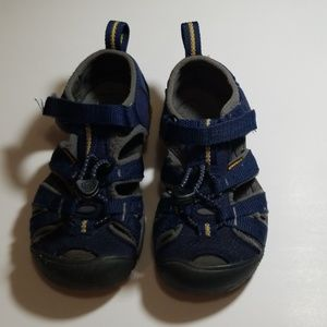 Keen toddlers size 10